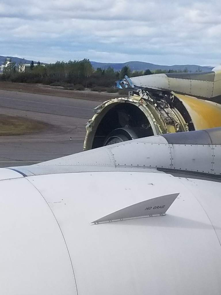 Air France flight 066 engine blew up picture