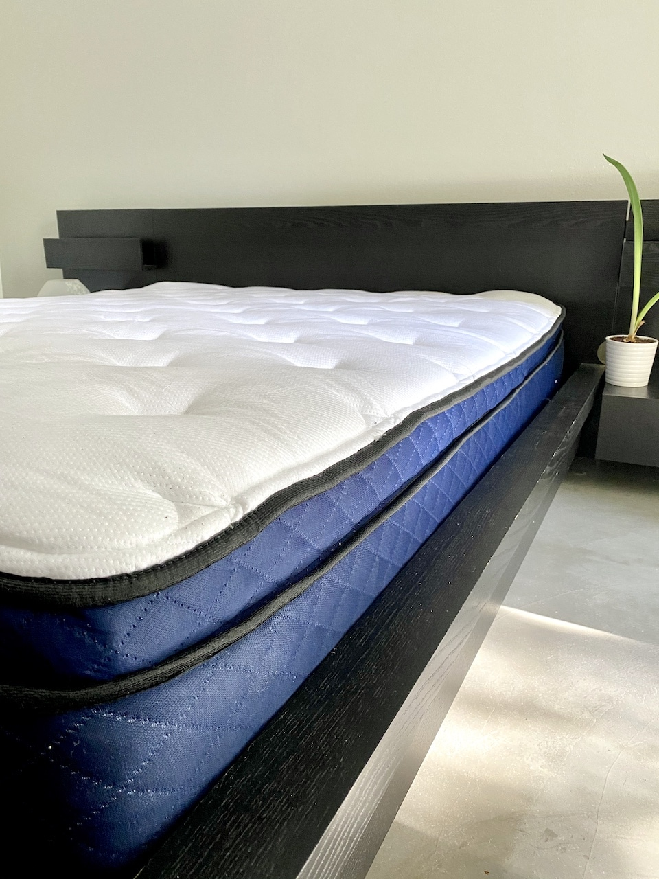 Review of the Silk & Snow Hybrid Mattress